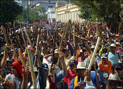 2015: Paraguay landless farmers movement